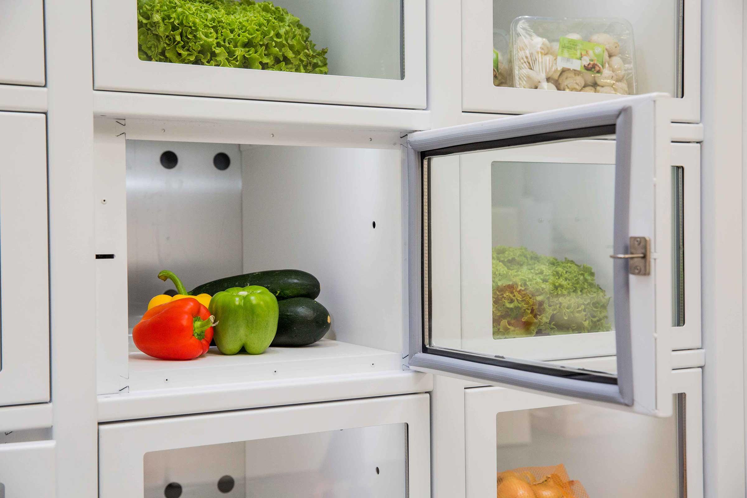 Vegetables in a vending machine Le Casier Français